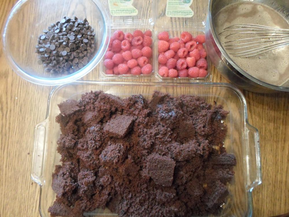 Warm Chocolate and Raspberry Custard Cake (4/6)